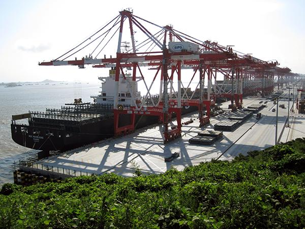 ship-car-to-shanghai-port
