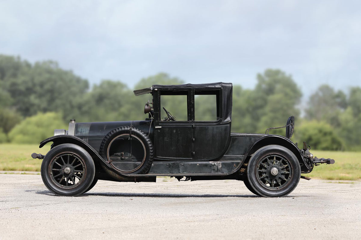 1916-Locomobile-Model-38-Collapsible-Cabriolet