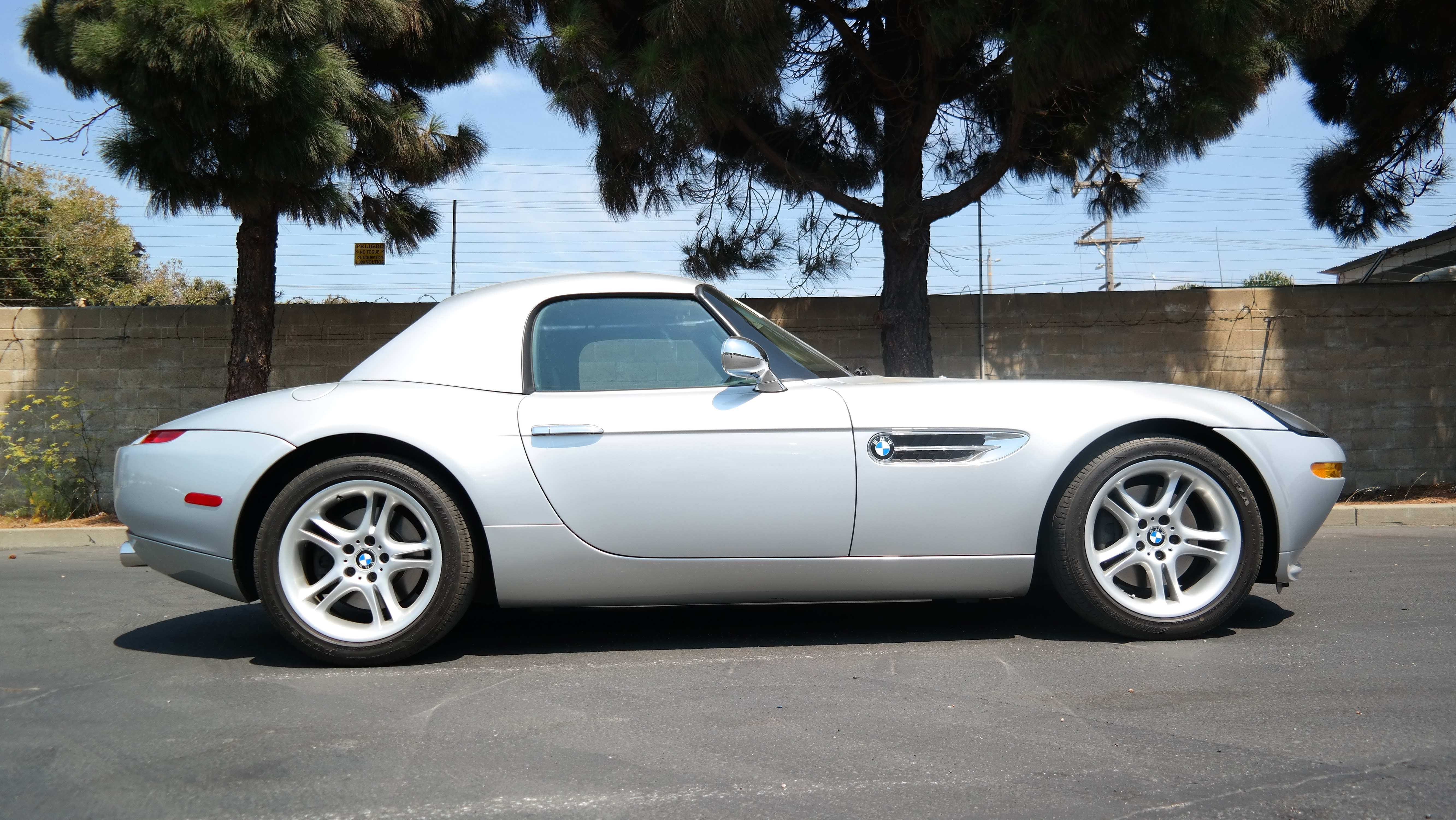 BMW Z8 International car shipping