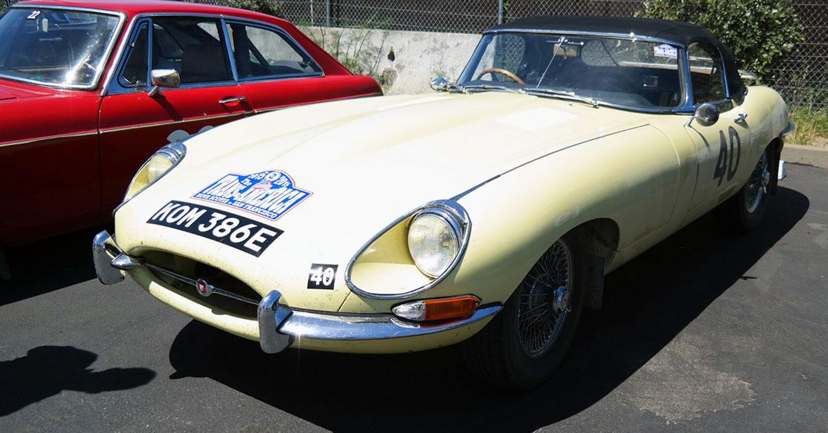 Jaguar-XKE-yellow.jpg