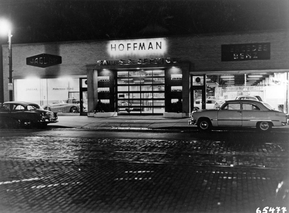 Mercedes-Benz Vertretung in Chicago von Maximilian Edwin Hoffman.jpg