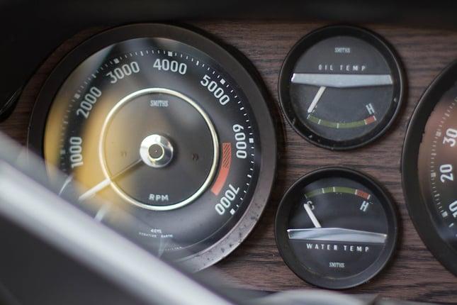 Volvo-1800-es-dash.jpg