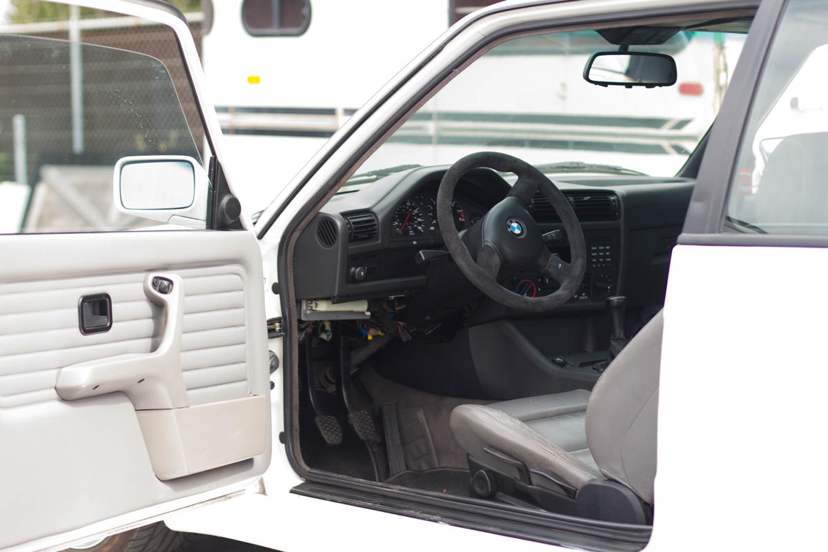 bmw-m3-e30-interior.png