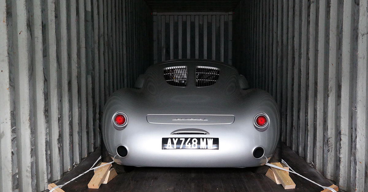 Classic car container loading Vintech P550