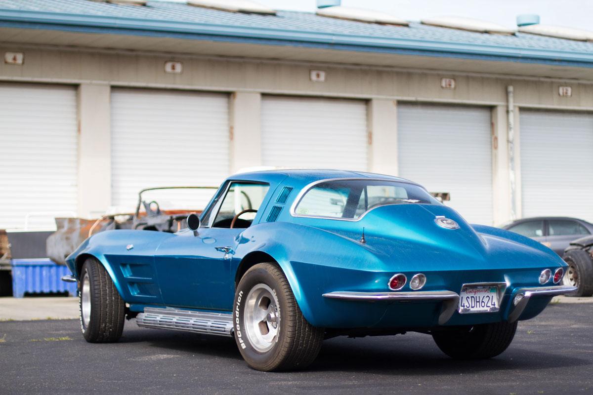 classic-corvette-side.jpg
