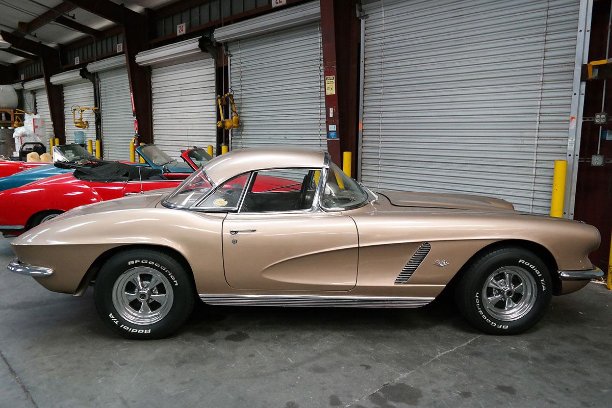 corvette-from-usa.jpg