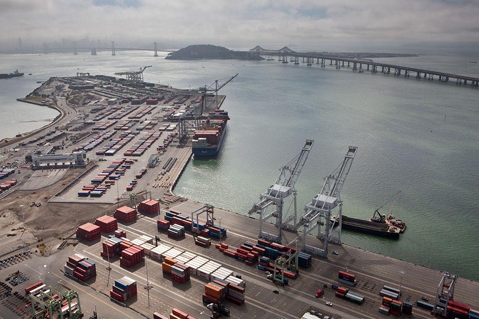 port-of-oakland-600-million-investment.jpg
