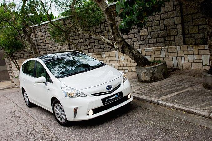 Toyota Prius international car shipping to Jordan