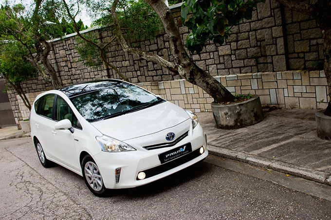 http://cdn2.hubspot.net/hubfs/347760/C_Blogs/Blog_Images/Jordan_toyota_prius_international_car_shipping.jpg