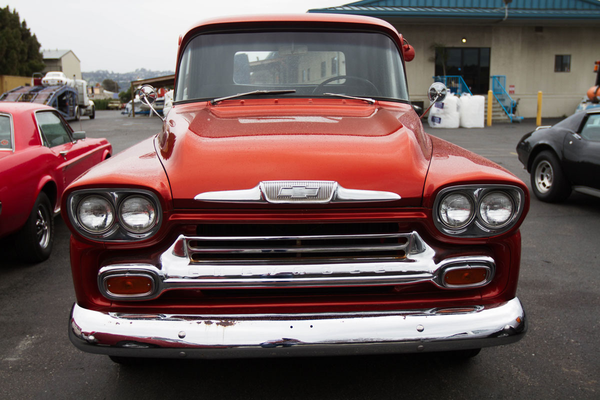 chevrolet-3100-front-classics-usa.jpg
