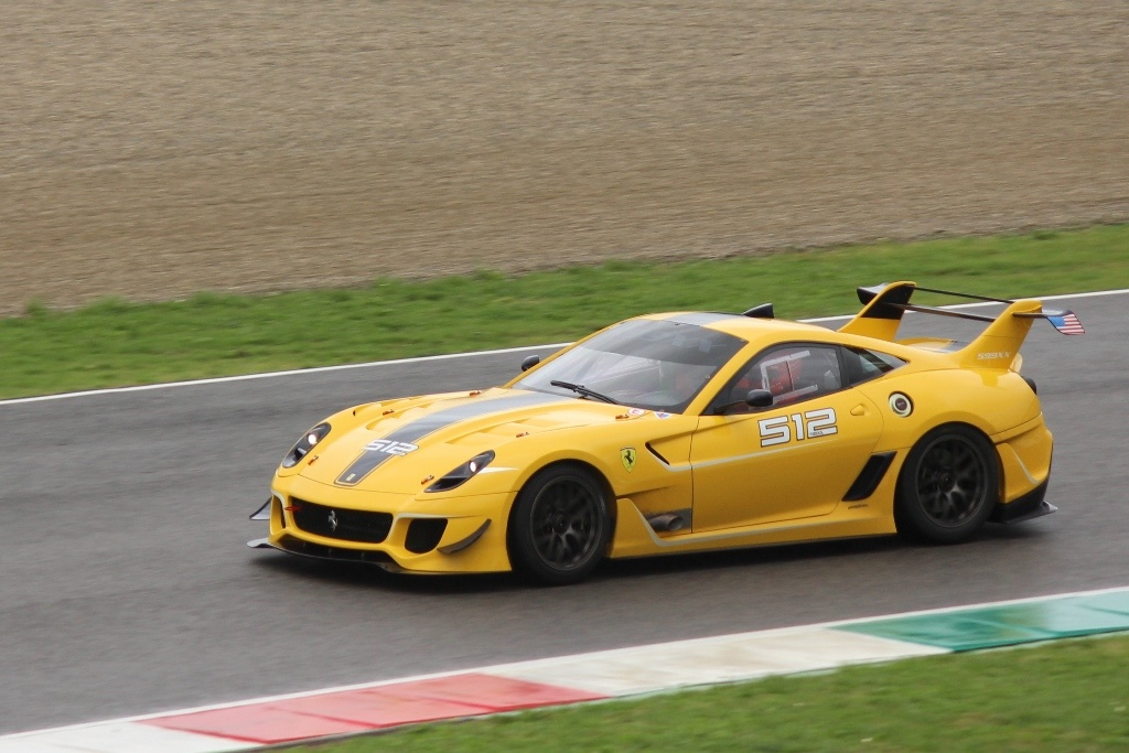 Incredible Ferrari 599XX Shipped to Italy