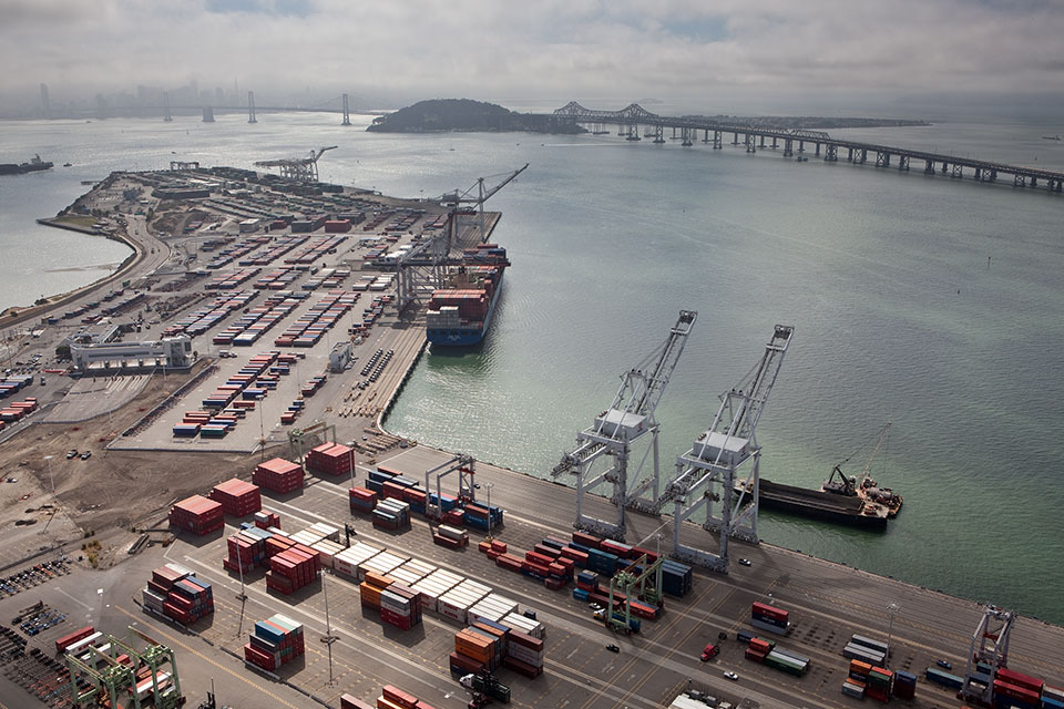 port-of-oakland-600-million-investment.jpg
