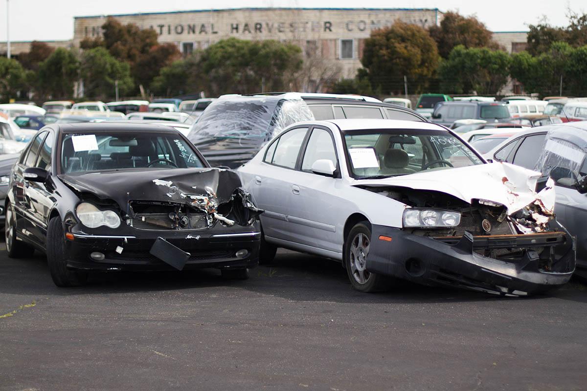 https://cdn2.hubspot.net/hubfs/347760/C_Blogs/Blog_Images/salvage-cars-from-usa.jpg