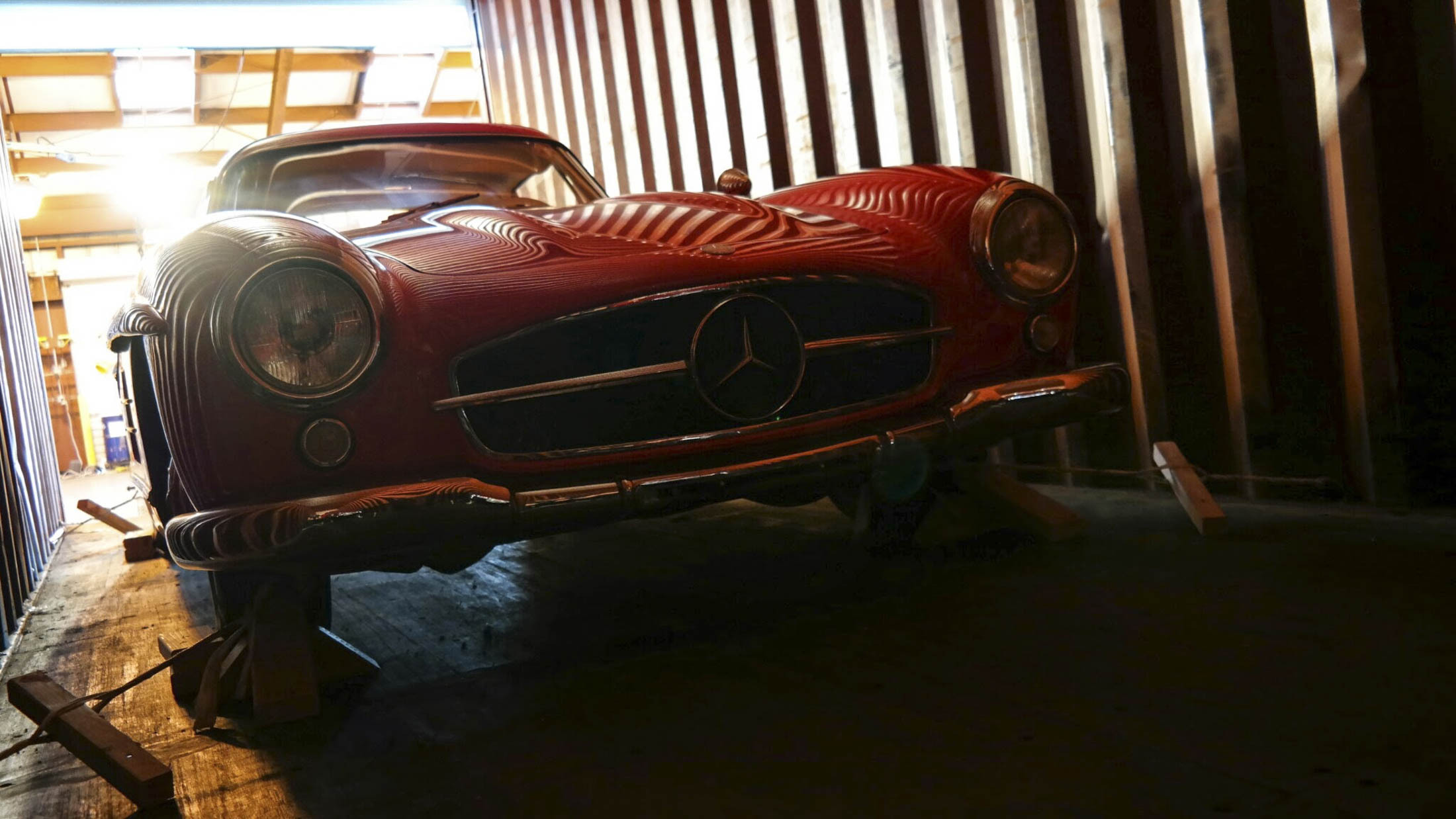 Mercedes Gullwing container.jpg