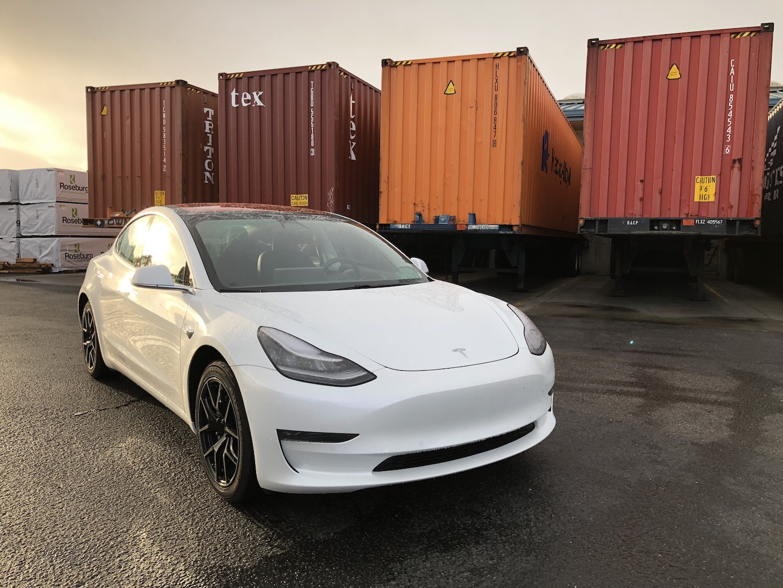 Ukraine lowers import duties on cars in 2019
