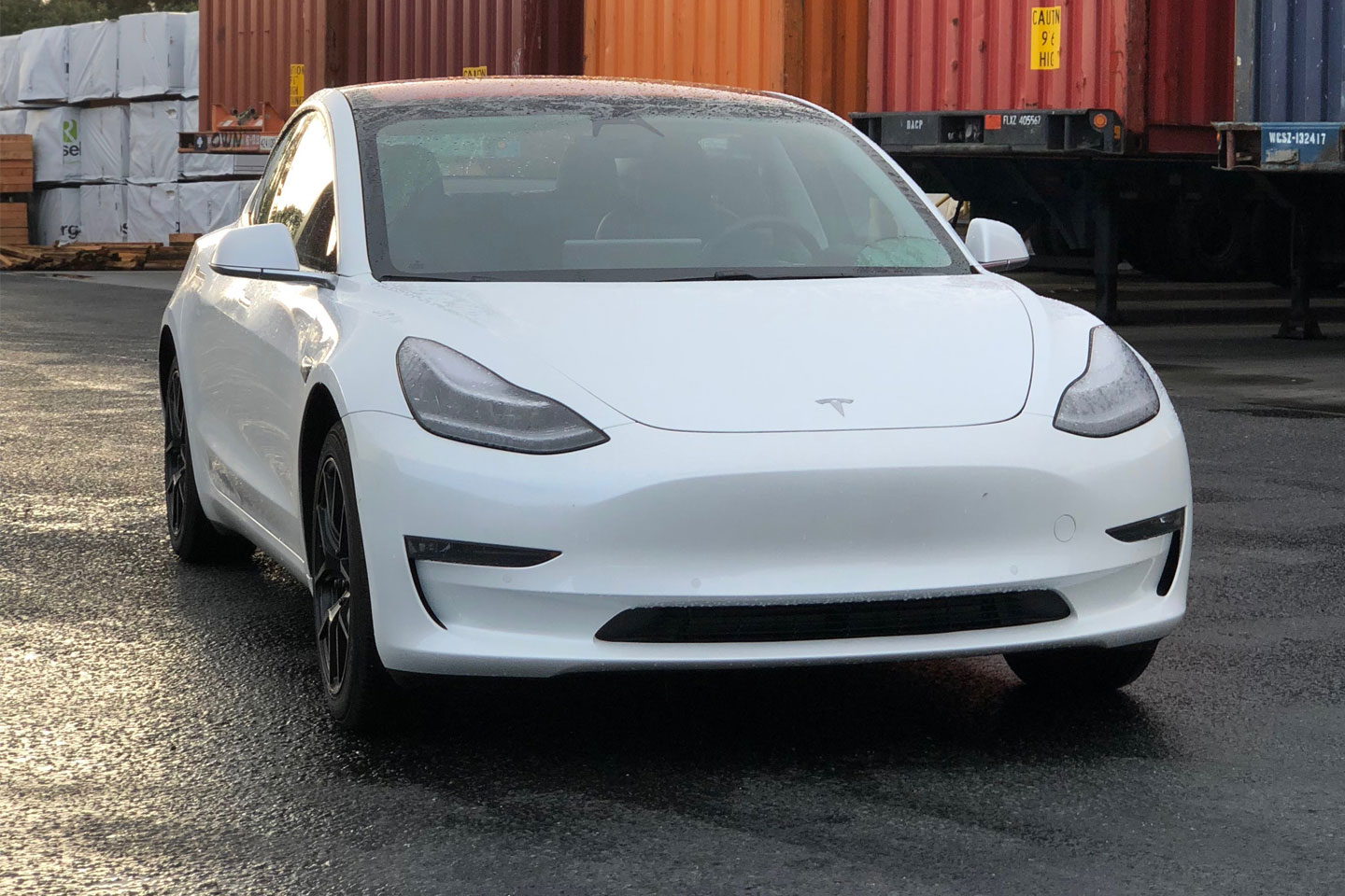 https://cdn2.hubspot.net/hubfs/347760/tesla-model-3-1.jpg